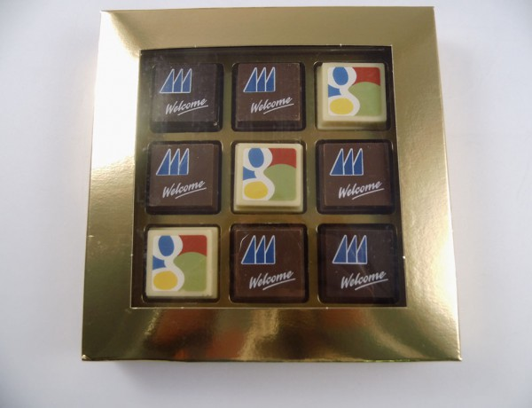 Premium printed pralines – 4 pcs in carton box with transparent window