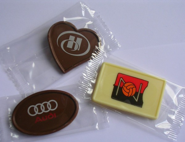 Printed chocolates in transparent flowpack