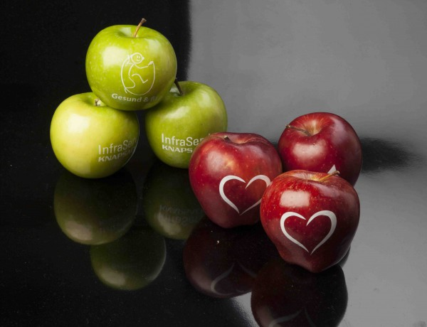 PromoFruits apples with logo
