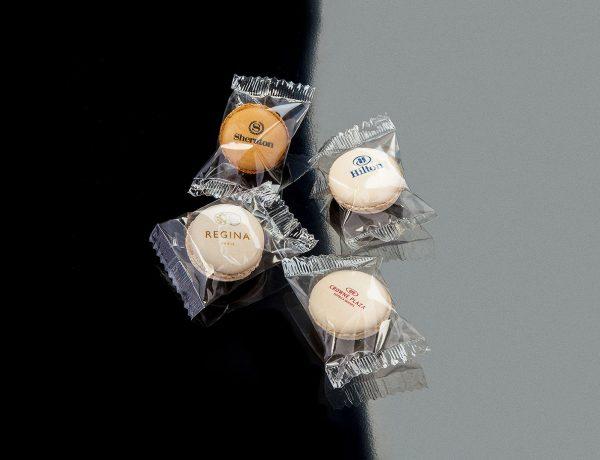 Macarons flowpack personnalised gift